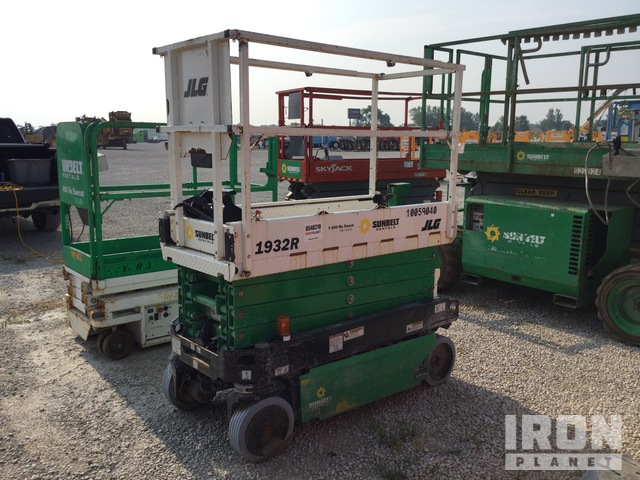 2018 JLG 1932R Electric Scissor Lift, Parts/Stationary Construction-Other