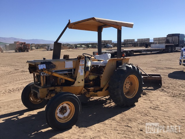 Case International 385 2WD Tractor, 2WD Tractor