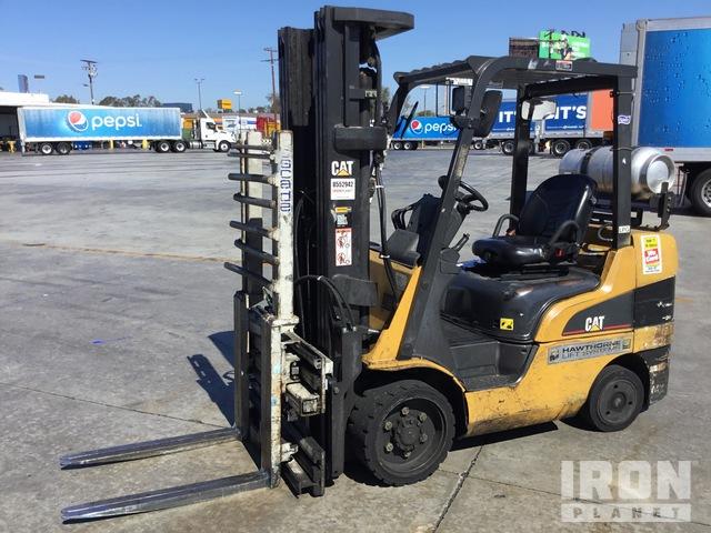2006 Cat C6500 4800 lb Pneumatic Tire Forklift, Forklift