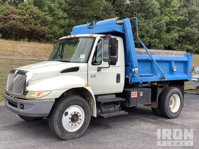 2005 International 4300 4x2 S/A Dump Truck, Dump Truck (S/A)
