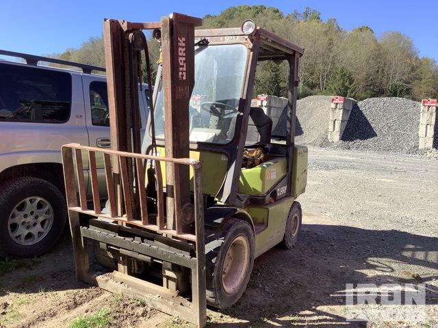 1997 (unverified) Clark CGP30 5500 lb Cushion Tire Forklift, Forklift