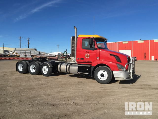 2012 Volvo VNL Tri/A Conventional Day Cab in Casper, Wyoming, United