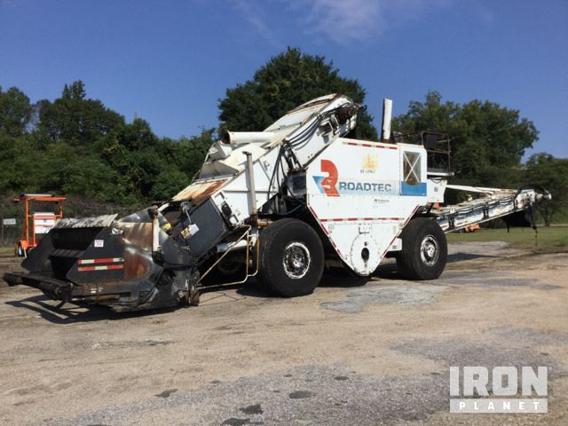 Roadtec SB-2500B Asphalt Transfer Machine in Montgomery