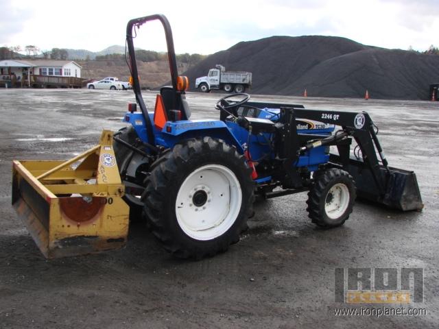 2004 New Holland TC-30 Farm Tractor w/Loader & Box Blade